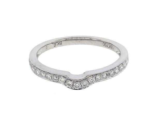 Joli jonc contour pour dame en or 18k blanc serti de diamants